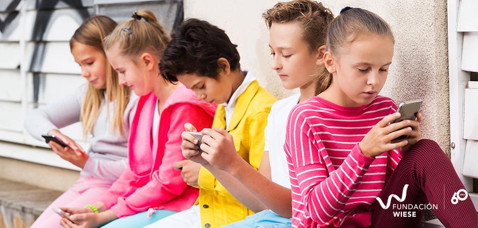 tecnologia celular niños